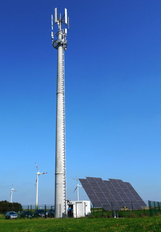 Regenerative Energien für digitalen Behörden- und Mobilfunk
