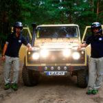 Pilot Ali Gharib (l) und sein Beifahrer Hans-Christian Maurer wagen das Abenteuer ihres Lebens: sie starten mit ihrem Land Rover Defender bei der Rallye Dakar in Südamerika.Pilot Ali Gharib (l) und sein Beifahrer Hans-Christian Maurer wagen das Abenteuer ihres Lebens: sie starten mit ihrem Land Rover Defender bei der Rallye Dakar in Südamerika.